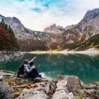 3 akcesoria turystyczne, które zawsze warto mieć pod ręką
